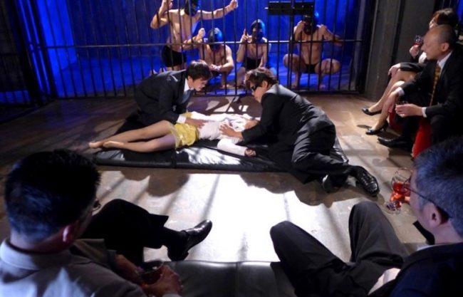 〔SM〕「だめぇぇやめてぇぇ」スレンダーなお姉さんが縛られ男達から犯される一部始終をハメ撮り撮影!