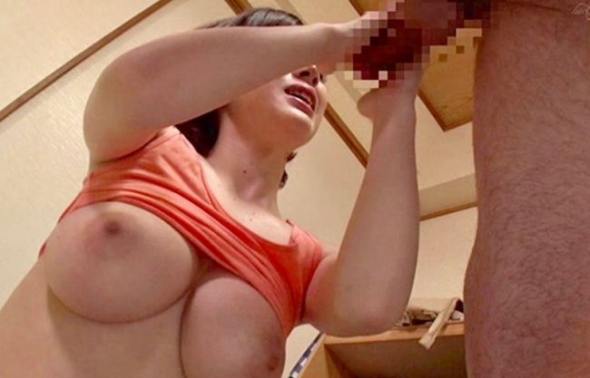 「だめぇぇいっちゃうぅぅ」童貞を卒業される淫乱痴女のお姉さんwデカチンに寝取られ感じる巨乳の美女をハメ撮りセックスw