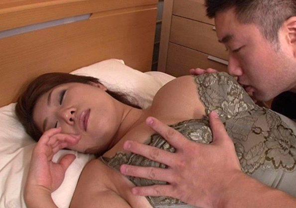 〔デブ専〕嫁の母親とハードセックス!NTRセックスで犯される熟女妻をハメ撮り撮影!膣内発射の一部始終をハメ撮り激写w