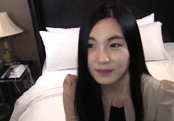 〔外人×NTR〕おかえに困ったか韓国人とNTRセックスwスレンダーな美女が寝取られる姿をハメ撮りw韓国人とのエッチを激写