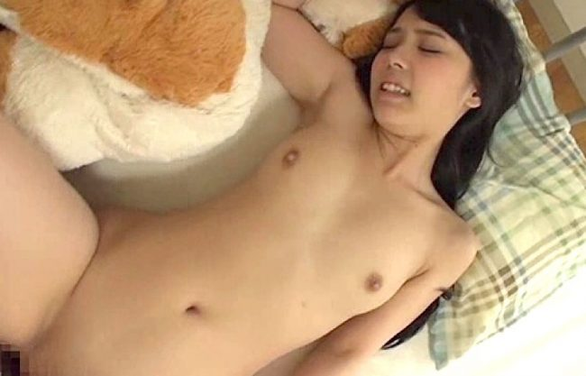 【近親相姦】『母さんには内緒だよぉ♡』激カワお姉ちゃんに欲情した弟とセックスする姿をハメ撮り!