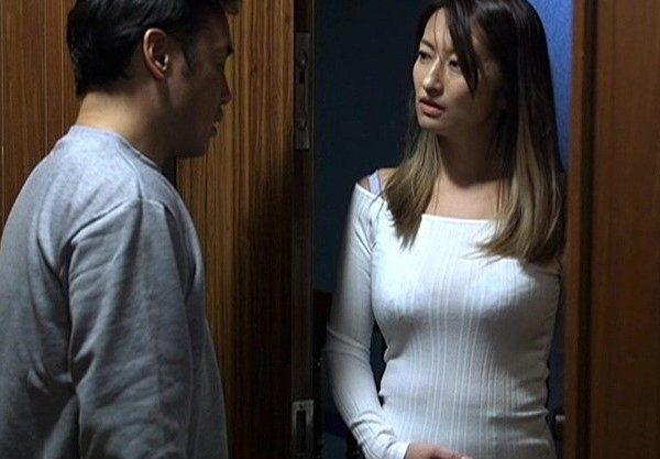 生意気な妻の胸をワシ掴みし無理やりチ〇ポをねじ込むセックス♡強引さでしか感じれない変態妻をハメ撮り!