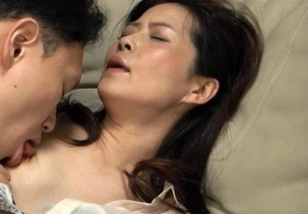 【熟女人妻】四十路の淫乱痴女が不倫セックスwふしだらな浮気の一部始終をハメ撮りしたエロ動画