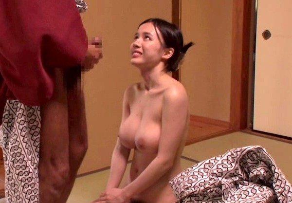 神乳おっぱいの美女と温泉旅行♡浴衣姿の痴女の淫らな姿を激写したエロ動画w